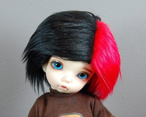 6/7 Black and Red Wig
